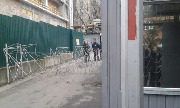 """""""Азовці"""" заблокували """"Інтер"""" (ФОТО) - фото 3"""