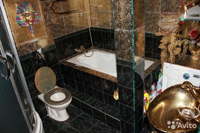Пшонкастайл: на Росії продають трикімнатну квартиру усипану золотом - фото 1