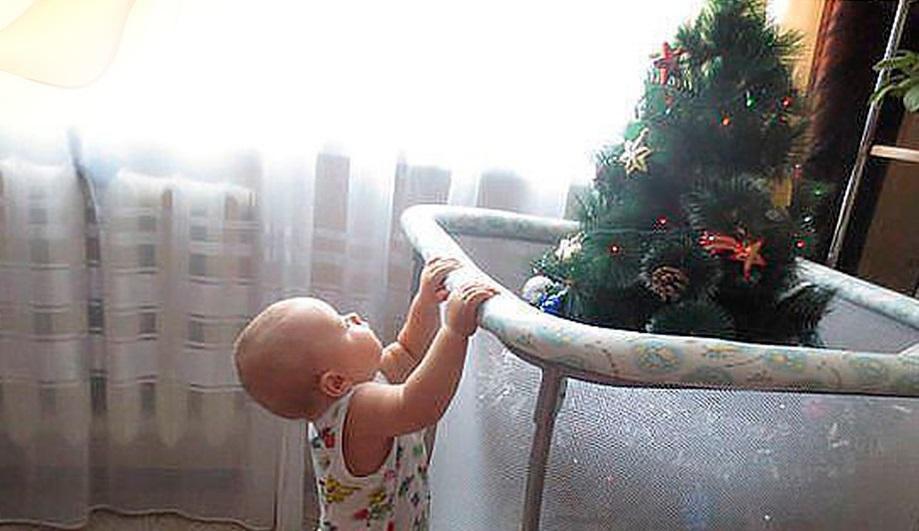 дитина і ялинка