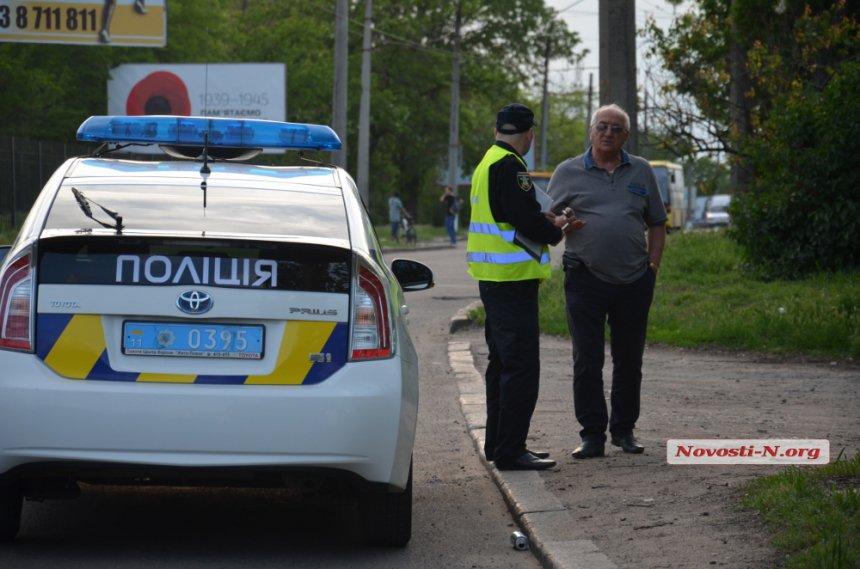 """У Миколаєві головлікар пологового будинку на Toyota протаранив """"Таврію"""" - фото 1"""