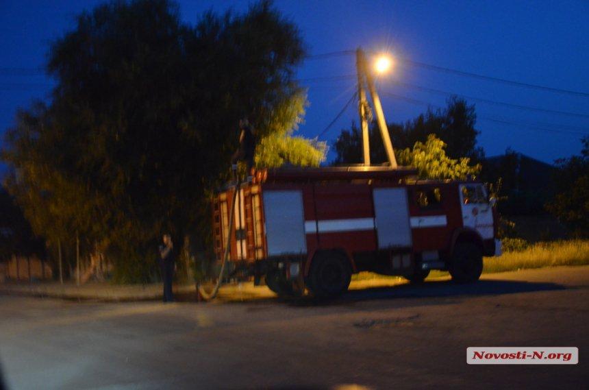 У Миколаєві палало сміттєзвалище
