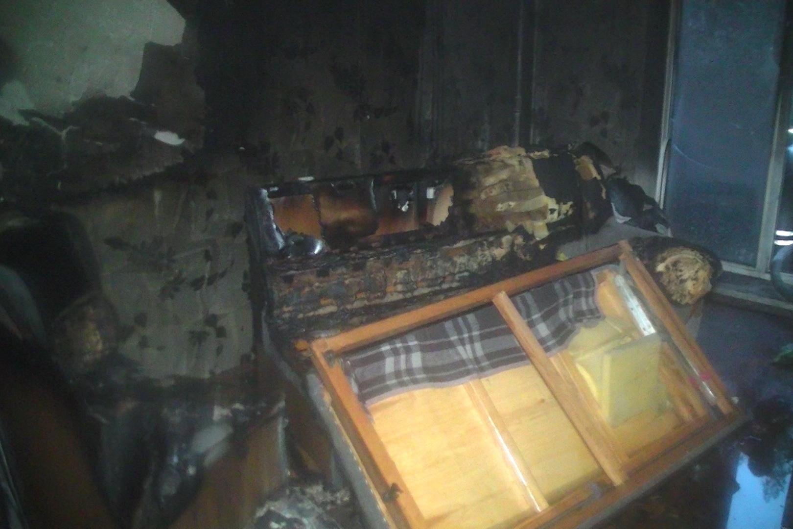 У центрі Харкова пожежні витягли з вогню п'ятьох людей - фото 2