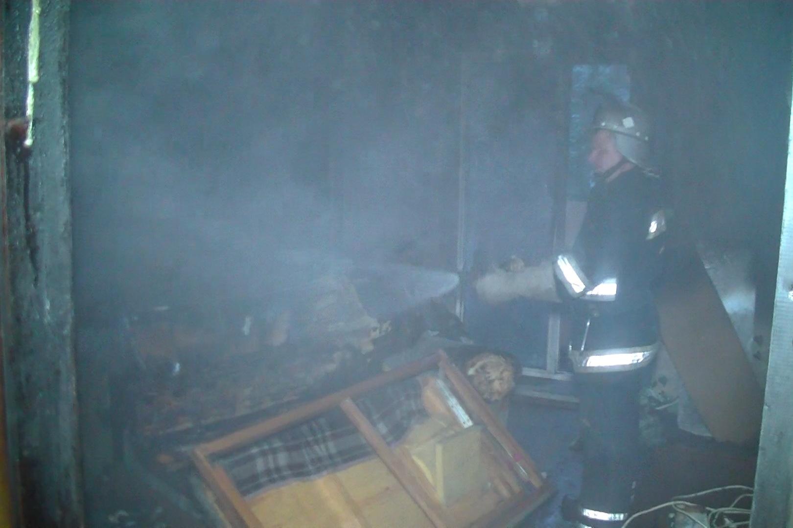 У центрі Харкова пожежні витягли з вогню п'ятьох людей - фото 1
