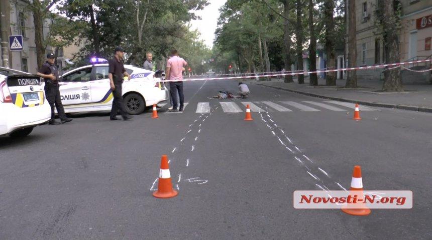 У центрі Миколаєва машина збила військовослужбовця і втекла з місця ДТП