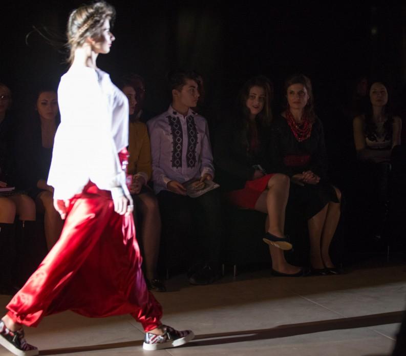 Перша леді країни відвідала показ вінницької дизайнерки - фото 3
