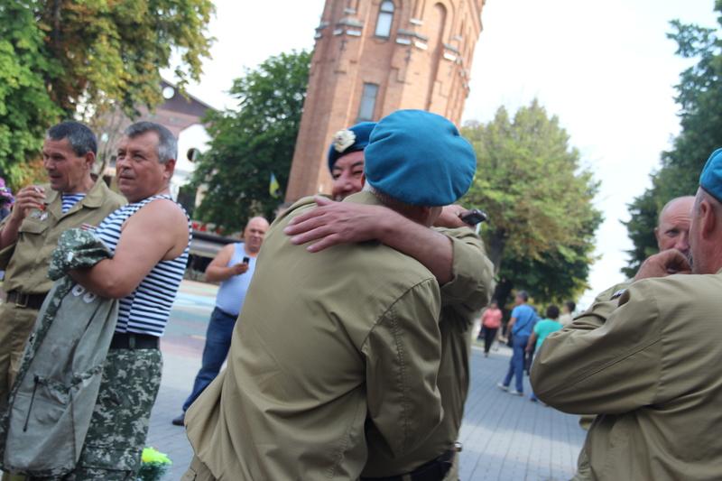 Як десантура та спецназ відзначили День ВДВ у Вінниці - фото 1