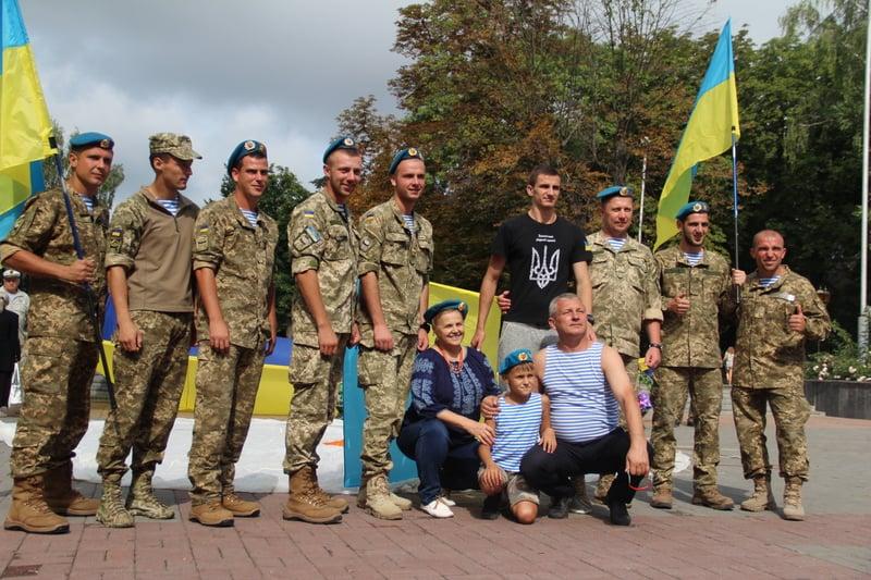 Як десантура та спецназ відзначили День ВДВ у Вінниці - фото 4