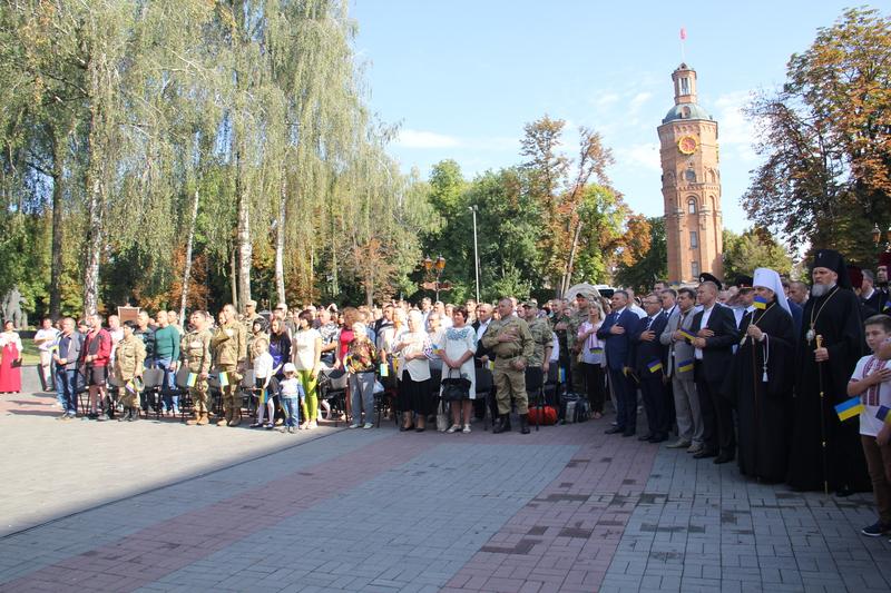 Вінничани приєднались до Всеукраїнського виконання гімну - фото 1