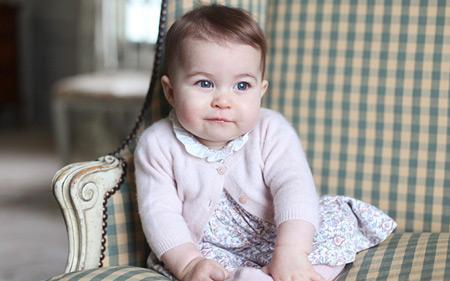 Принцесу Шарлотту визнали впливовішою за прабабцю-королеву - фото 1
