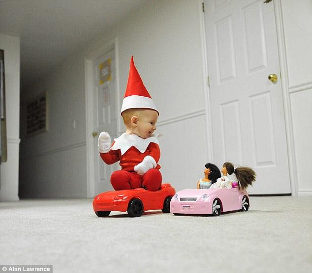 4-місячний малюк-ельф підірвав мережу своєю різдвяною фотосесією  - фото 4