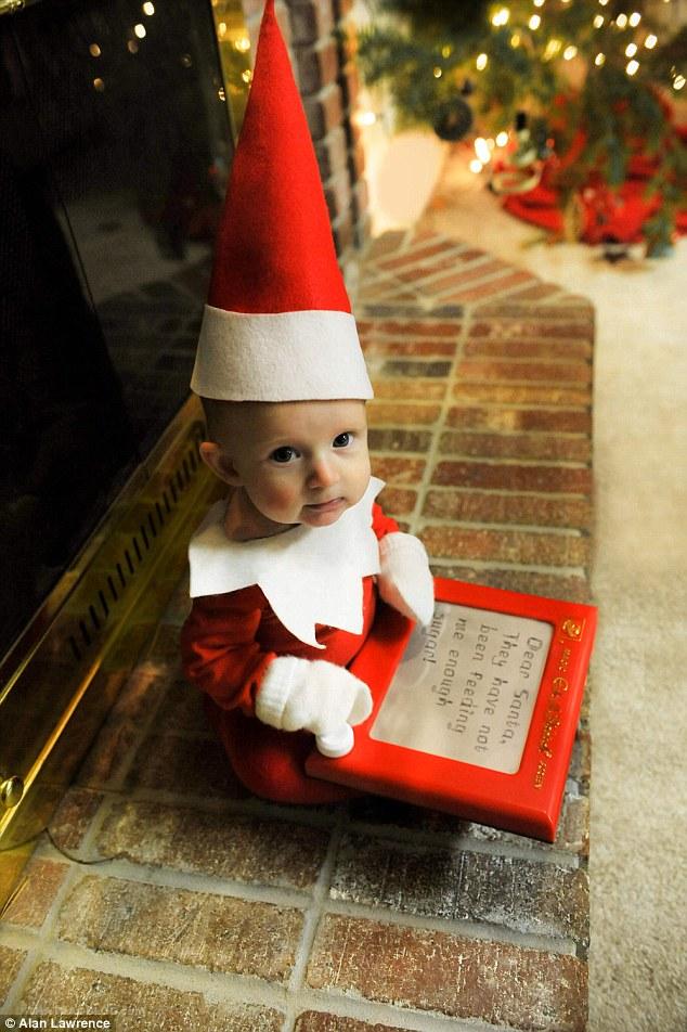 4-місячний малюк-ельф підірвав мережу своєю різдвяною фотосесією  - фото 1