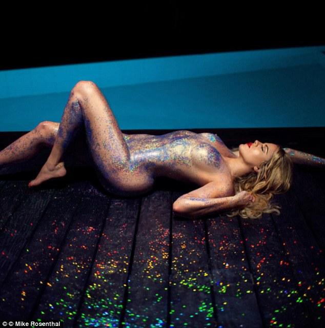 Ще одна Кардашіан показала зовсім голі сідниці (18+, ФОТО) - фото 3