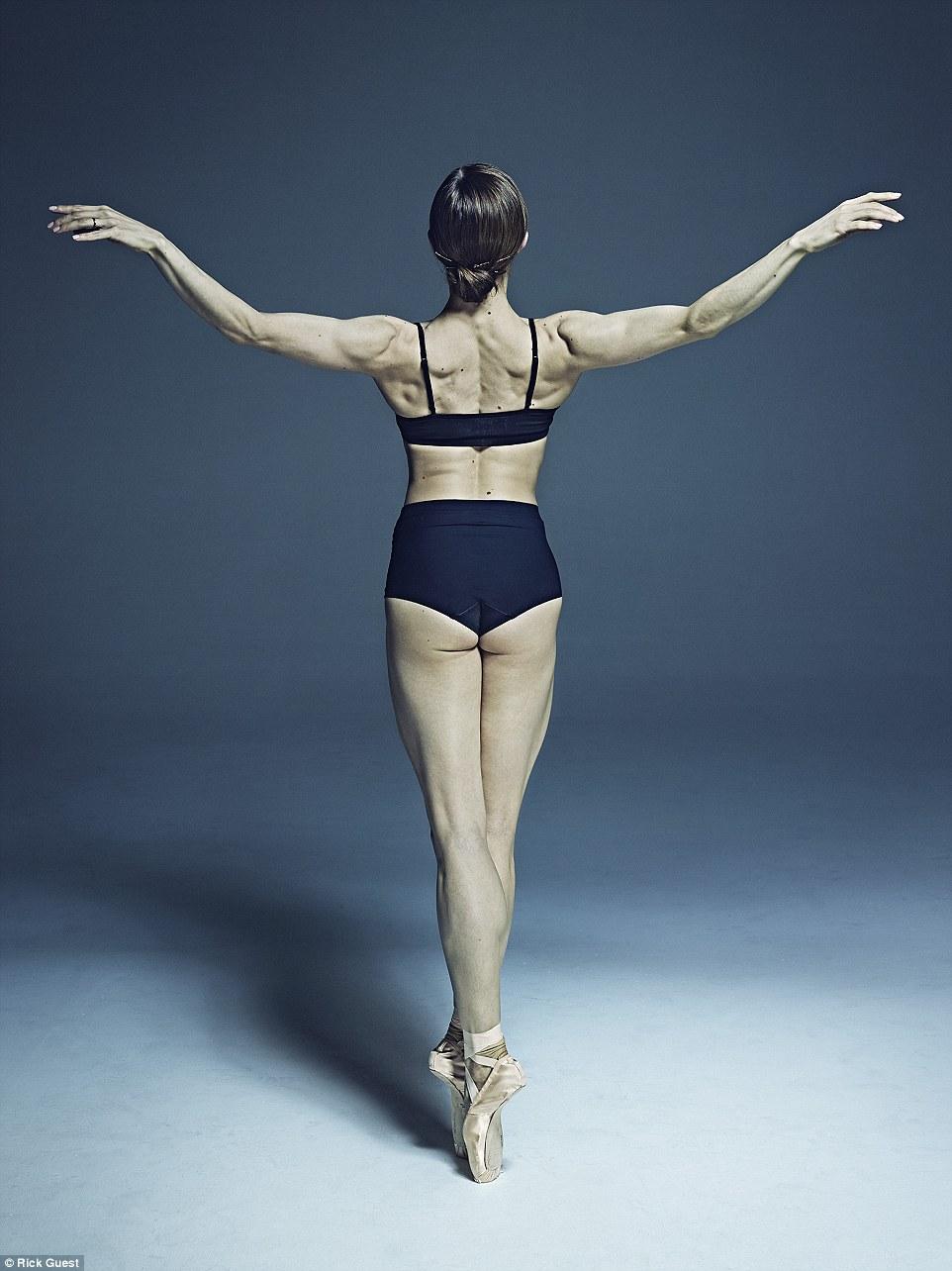 Неймовірні фото танцюристів балету підірвали мережу  - фото 4