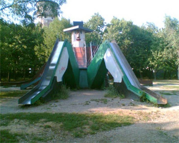 30 дитячих майданчиків, від яких стає моторошно - фото 7