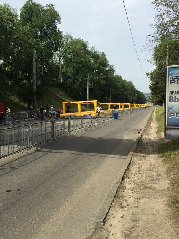 У Харкові встановили водяну гірку завдовжки 300 метрів - фото 1