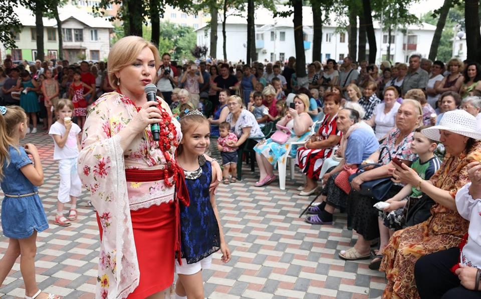 Коцюбинчани подякували Оксані Білозір за участь в об'єднанні громади - фото 1
