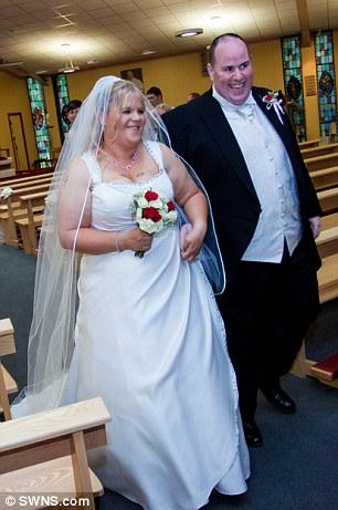 Як подружжя, яке чотири рази ламало ліжко через зайву вагу, схудло на 150 кг - фото 1
