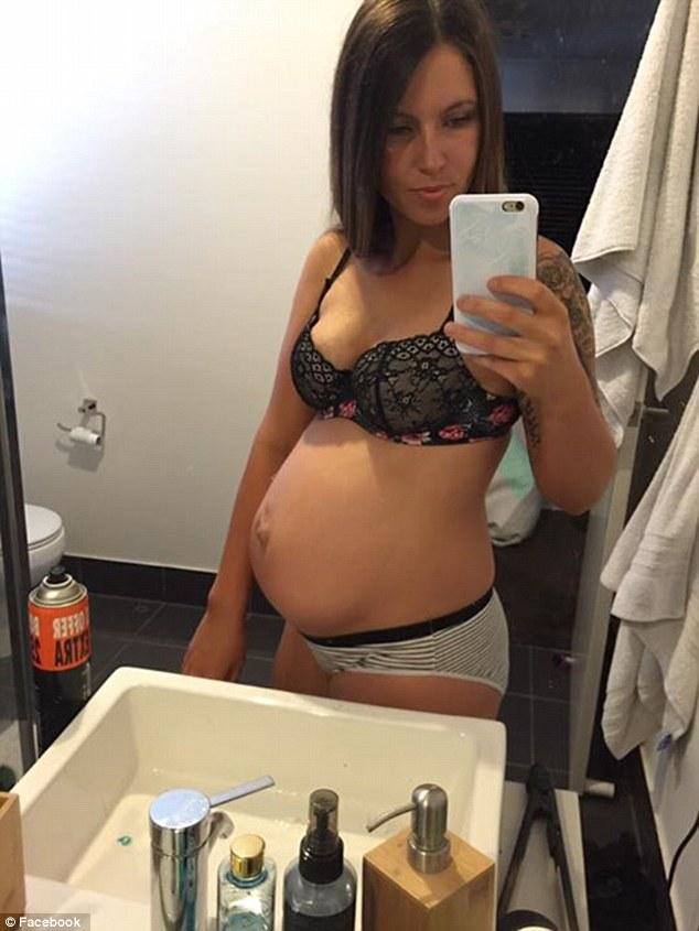Мережу підкорює флешмоб матусь, які показують свої тіла після пологів  - фото 2
