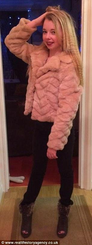 Як виглядає 33-річна мати шістьох дітей, яка одягається як підліток  - фото 2