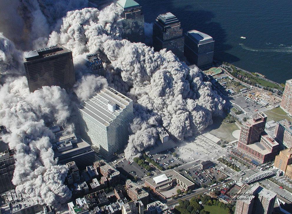 Трагедія 9/11: Сьогодні 14-та річниця наймасштабнішого теракту в історії США (ФОТО, ВІДЕО) - фото 7