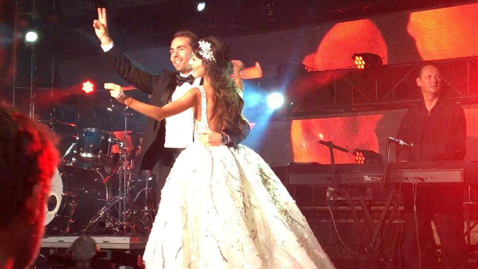 Брежнєва та Лорак на весіллі розважали сина російського олігарха  - фото 1