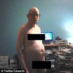 """У мережі жорстоко потролили """"голе"""" селфі Кардашіан - фото 6"""