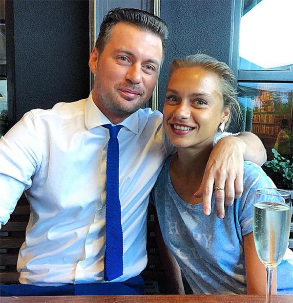 Мілевський показав фото з чарівною сестрою - фото 1