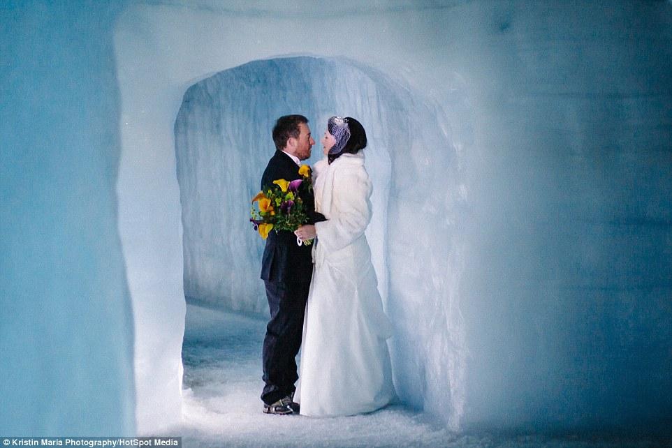 Як британці першими в світі одружилися всередині льодовика - фото 2