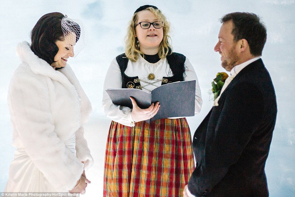 Як британці першими в світі одружилися всередині льодовика - фото 1