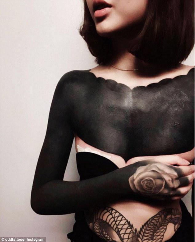 Чорне тіло: жахливий тренд татуювання підкорює соцмережі  - фото 7