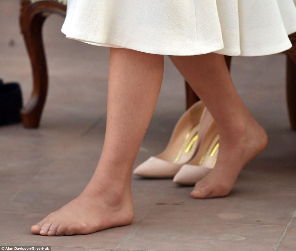 Пальці Міддлтон, спаплюжені модним взуттям, підірвали інтернет  - фото 1