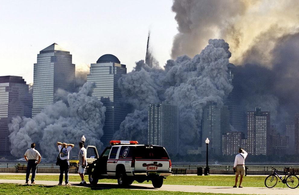 Трагедія 9/11: Сьогодні 14-та річниця наймасштабнішого теракту в історії США (ФОТО, ВІДЕО) - фото 8