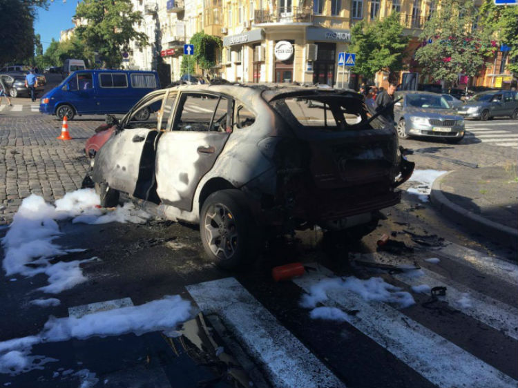 У столиці загинув журналіст Павло Шеремет - фото 2