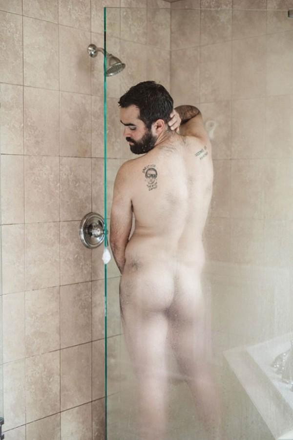 Як чоловік подарував дружині еротичний календар із собою (18+ ФОТО) - фото 11