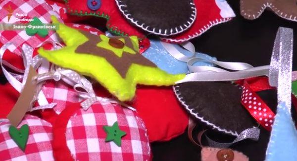 Мисткиня з Івано-Франківська радує різдвяними прикрасами з тканини і ниток  - фото 1