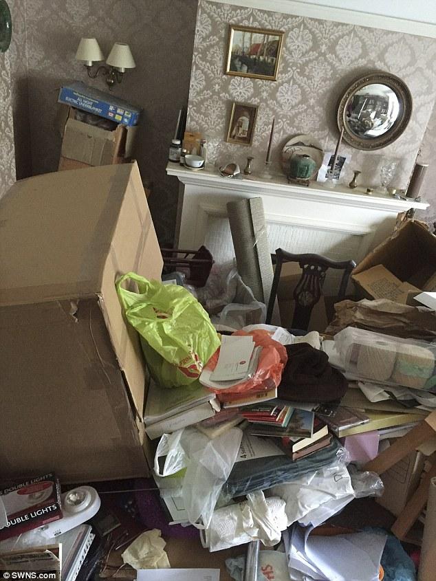 Як квартира професора за 30 років перетворилася на смітник - фото 2