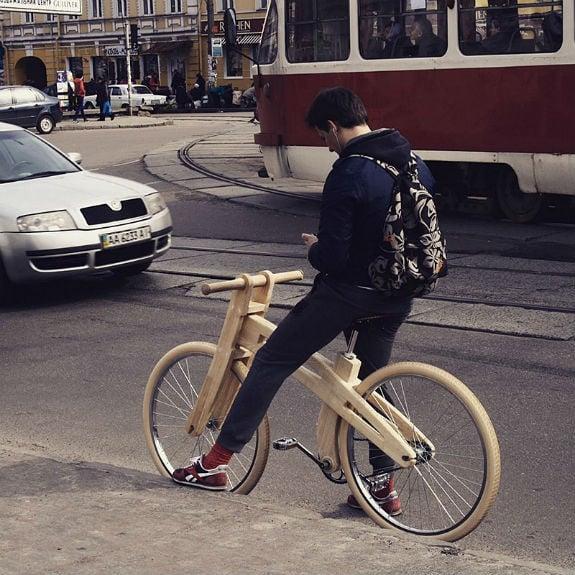 Киянин майструє унікальні дерев'яні велосипеди за ,2 тисячі  - фото 2