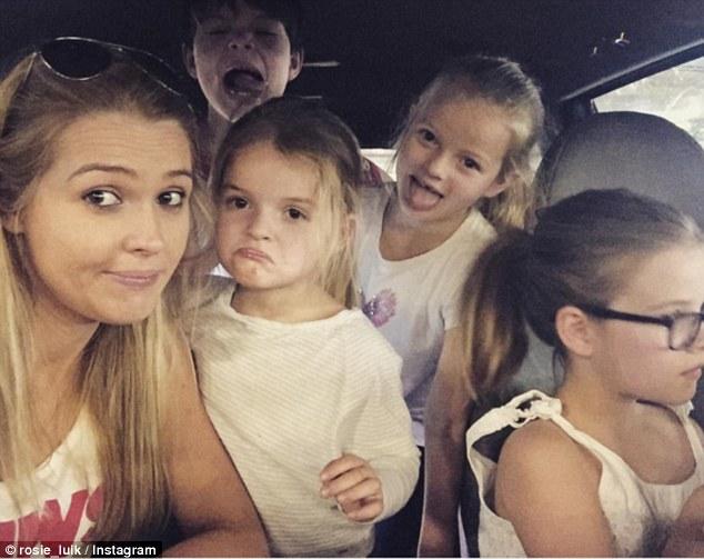 30-річна мати шести дітей стала обличчям бренду нижньої білизни Брітні Спірс  - фото 4