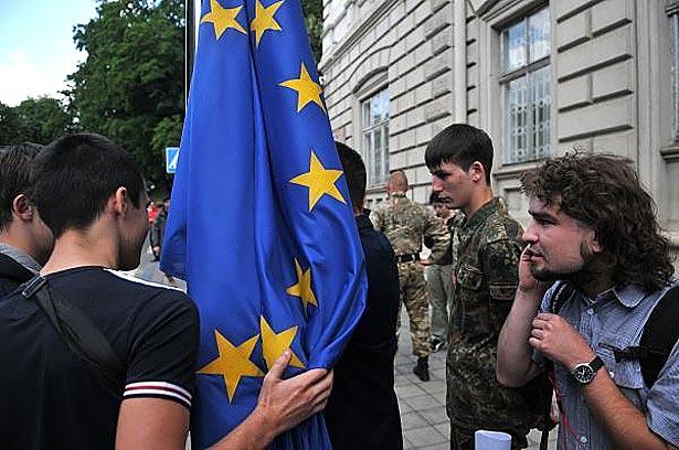 """Чи відгородиться Європа """"санітарним кордоном"""" від дуету Ярош-Порошенко - фото 1"""