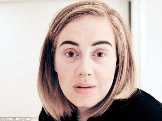 28-річна Адель без макіяжу вразила хворобливим обличчям  - фото 1