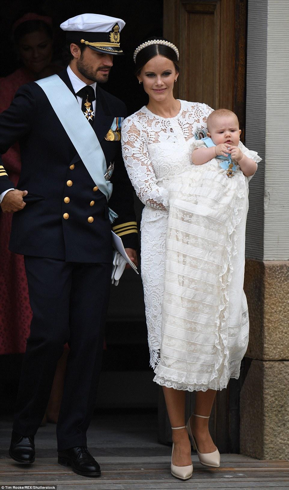 Як у Швеції принця хрестили - фото 1