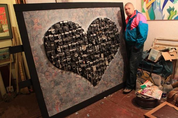 Одеський художник створює картини з грошей - фото 1