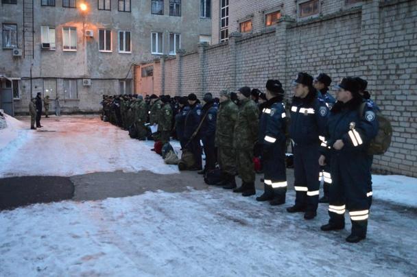 """Всю поліцію Донеччини підняли по """"тривозі"""" - фото 12"""