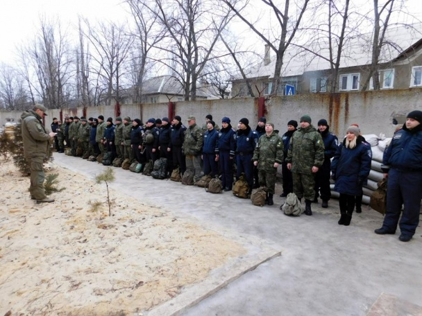 """Всю поліцію Донеччини підняли по """"тривозі"""" - фото 11"""