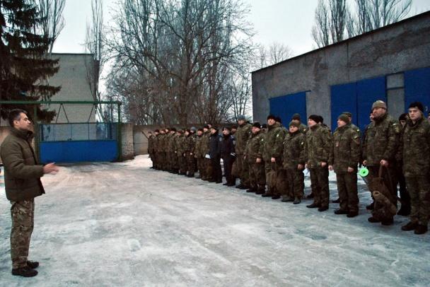 """Всю поліцію Донеччини підняли по """"тривозі"""" - фото 9"""