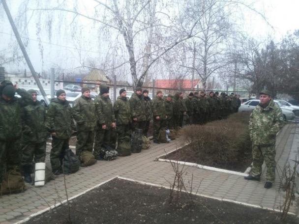 """Всю поліцію Донеччини підняли по """"тривозі"""" - фото 7"""