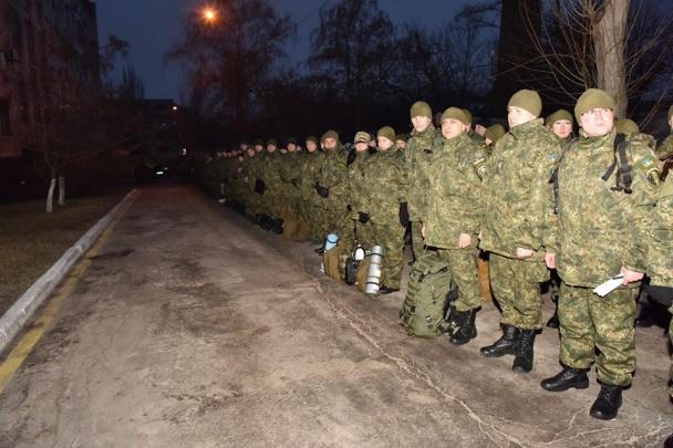 """Всю поліцію Донеччини підняли по """"тривозі"""" - фото 3"""