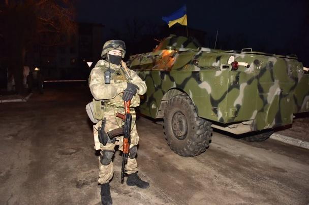 """Всю поліцію Донеччини підняли по """"тривозі"""" - фото 5"""