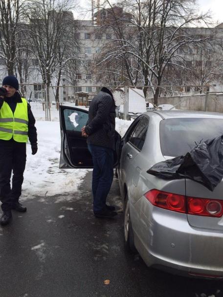 У Києві фіскал-хабарник влаштував масштабну ДТП, тікаючи від силовиків - фото 9