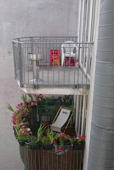 ТОП-20 балконів, володарі яких плювали на оточуючих - фото 4